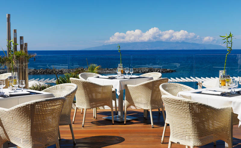 H10 Gran Tinerfe Hotel Los Menceyes Buffet restaurant terrace overlooking the sea