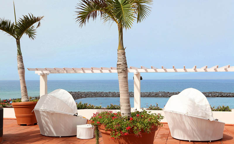 H10 Gran Tinerfe Hotel Sun terrace lounger with a sea view