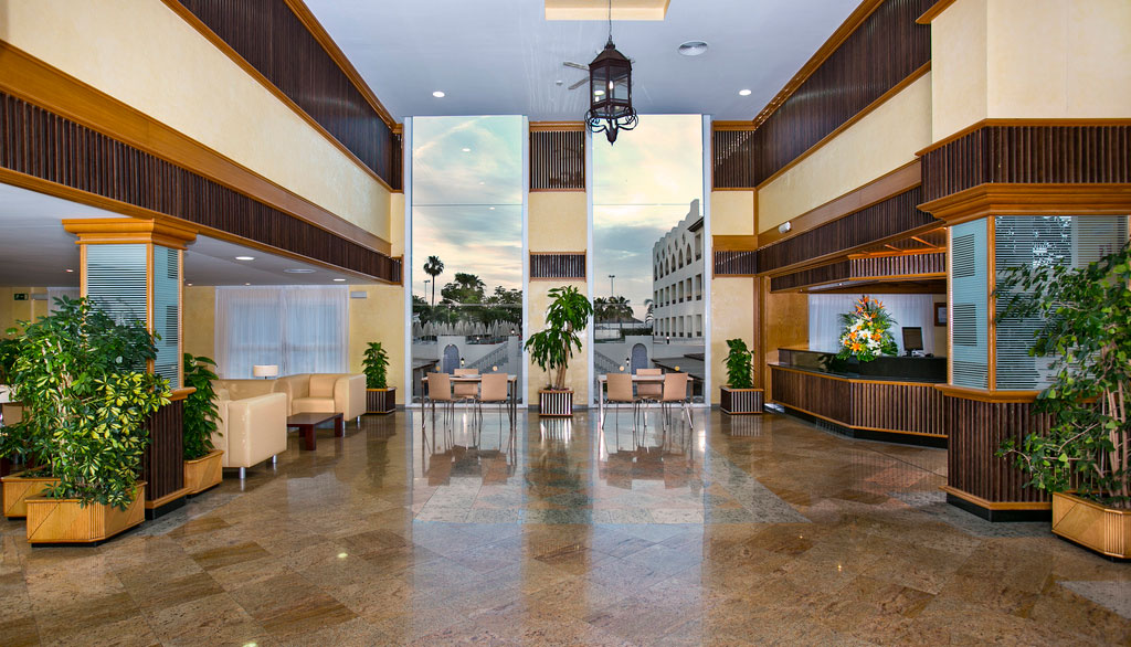 Book puerto marina benalmadena hotel in benalm dena - Mac puerto marina benalmadena benalmadena ...