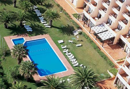 Dom Pedro Meia Praia Apartments